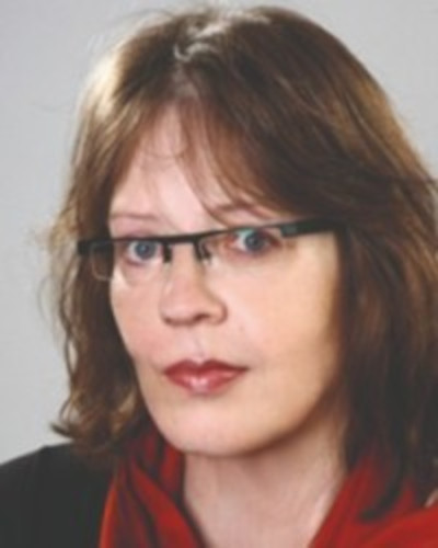 Dr. Küspert, Petra